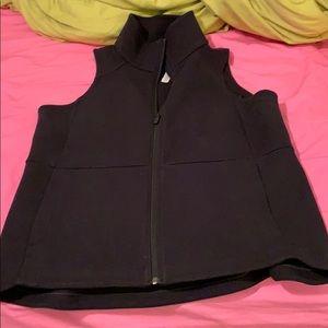 Lululemon black stretchy vest 10